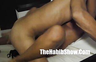 در مقابل یک دوربین آماتور همسر چاق را کانال فیلم سگسی در بیدمشک خیس می کند
