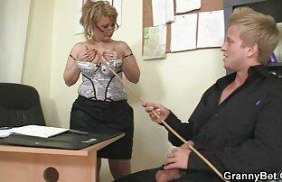 یک مرد عضلانی تلگرام کانال فیلم سکس تیره ، یک دیک بزرگ را به الاغ یک عوضی روسی انداخت