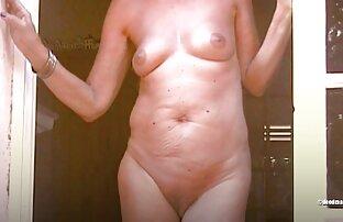 عامل بین سینه های MILF سکسی با دانلود فیلم سوپر درتلگرام یک شلوار زیبا تقسیم می شود
