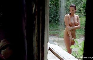 زیبایی بلوند سکس موبوگرام برهنه در نزدیکی استخر