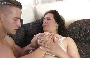 همسر در خانه با مرد رابطه گروه سکسی در موبوگرام جنسی برقرار می کند